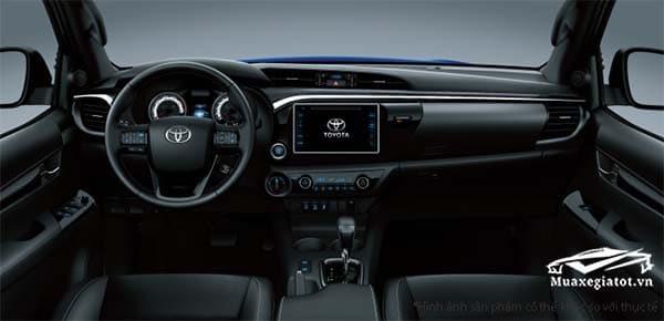 Nội thất xe Toyota Hilux 2.4 E 4×2 AT 2019 mới (Máy dầu,Tự động,1 cầu)