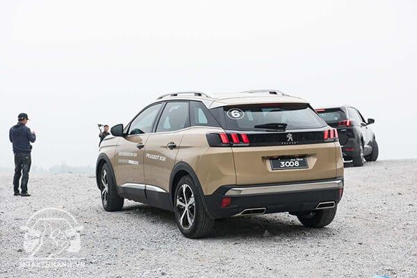duoi xe peugeot 3008 2019 muaxegiatot vn 35 - Đánh giá xe Peugeot 3008 2021 kèm giá bán