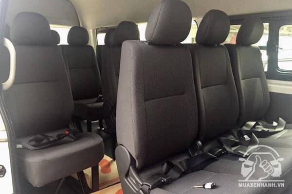 hang ghe toyota hiace 3 0 2019 nhap khau muaxenhanh vn 1 - So sánh Toyota Hiace máy dầu 3.0L và Ford Transit Luxury