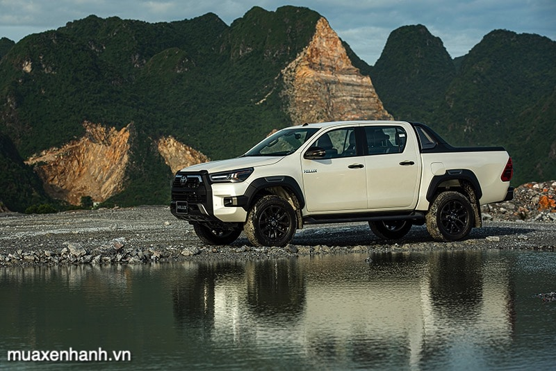 kich-thuoc-xe-toyota-hilux-2021-muaxenhanh-vn-1