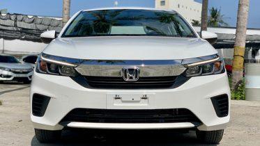 Mat truoc xe Honda City E 2021 2022 Muaxegiatot vn 373x210 - Chi tiết Honda City E 2021, phiên bản giá rẻ chạy dịch vụ