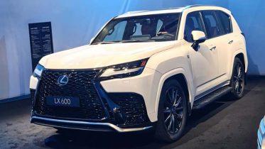 ra mat xe lexus lx600 2022 muaxegiatot vn 9 373x210 - Lexus LX600 2022 ra mắt thay thế LX570: Màn lột xác toàn diện