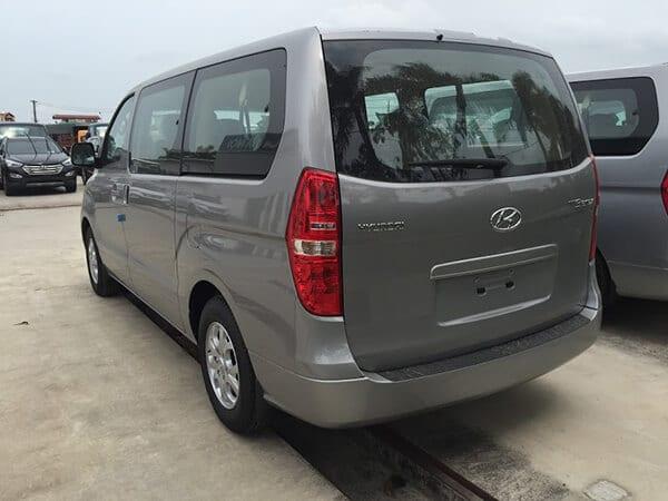 den hau starex 9 cho muaxenhanh vn 4 - Đánh giá xe Hyundai Starex 2021 kèm giá bán khuyến mãi #1